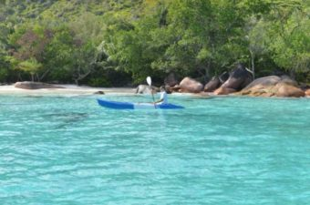NEsi catamaran Seychelles Attitude Excursion